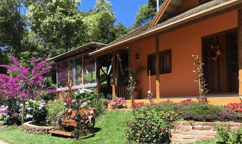 Cupom de Desconto Pousada Maibe Amanhecer na Serra em Gramado, fica em um belo parque, 2 km do Parque Snowland e da vinícola Ravanello